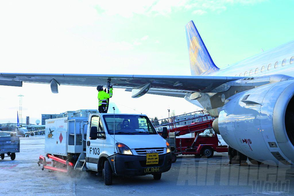 Lufthansa was the first airline to commit to using biofuel at Oslo. Photo Avinor