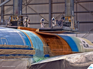 A team of 35 people spent four days applying the livery. KLM/Menno Mennes