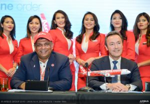 AirAsia Group Chief Executive Officer Tony Fernandes and Airbus President and CEO Fabrice Brégier. (Airbus)