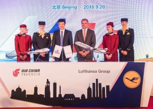 Air China's Chairman Cai Jianjiang (left) with Lufthansa Chairman and CEO Carsten Spohr. (Lufthansa)